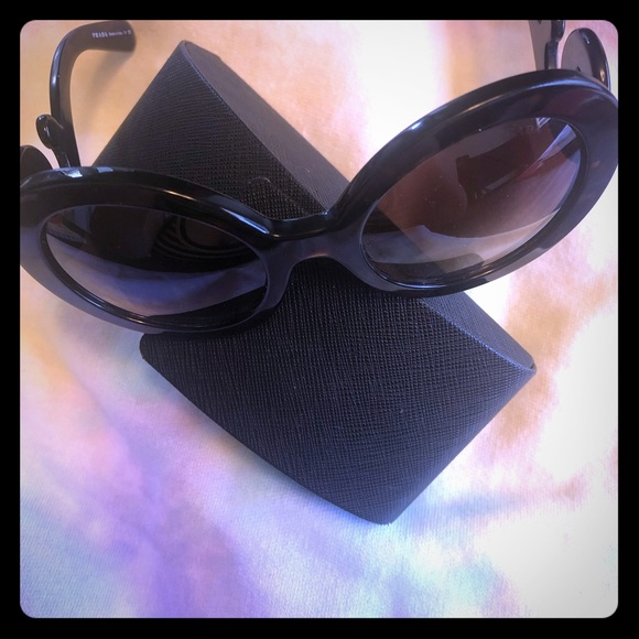 Prada Accessories - PRADA lenses